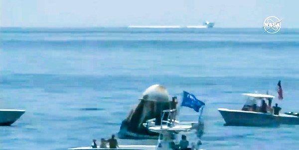 Trump flag on NASA livestream during astronauts splashdown, August 2 2020