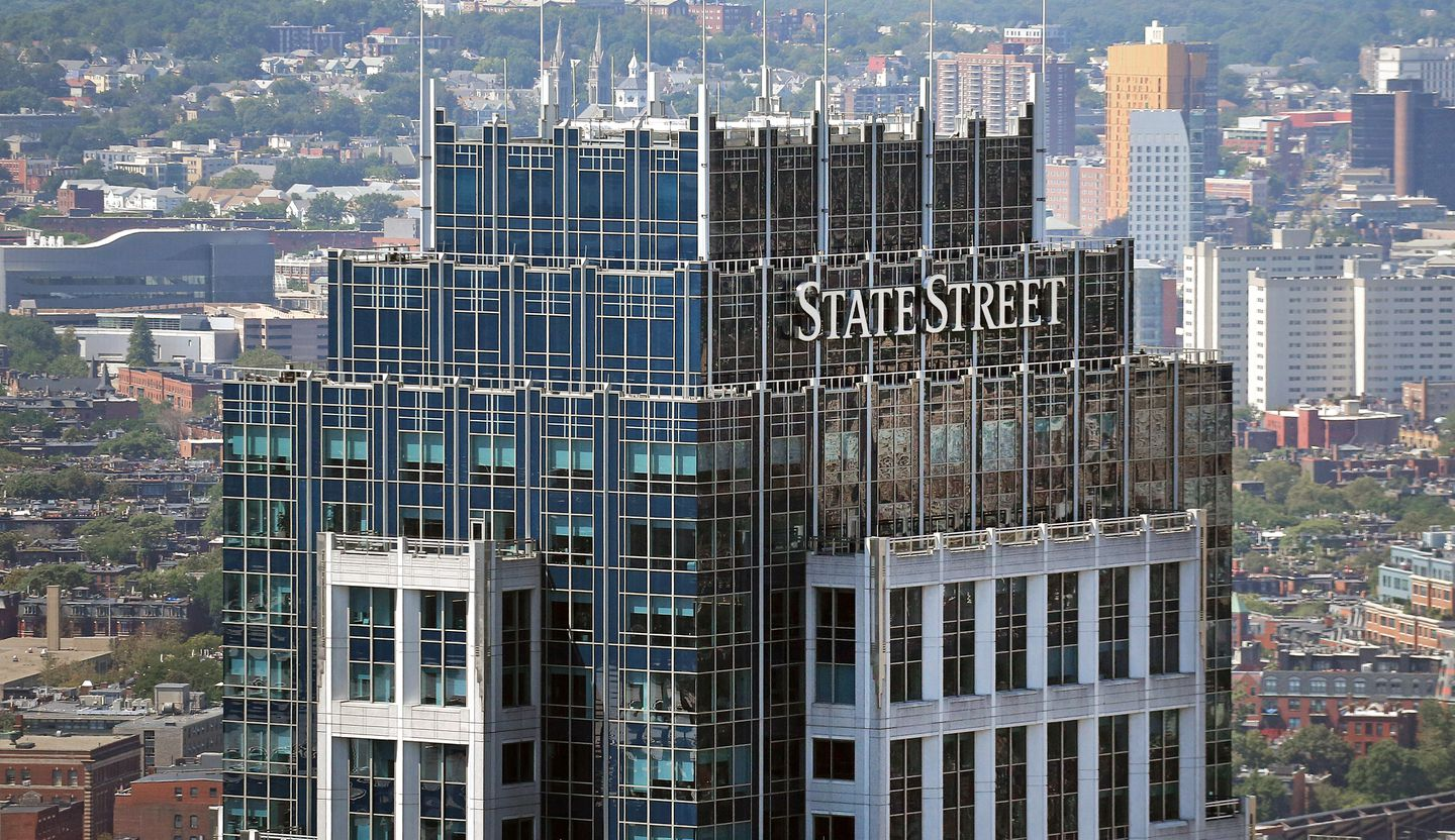 Hedge Fund Bitcoining Investment Strategies While State Street Moves In